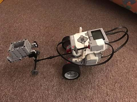 The first experimental set-up of the LEGO robot
